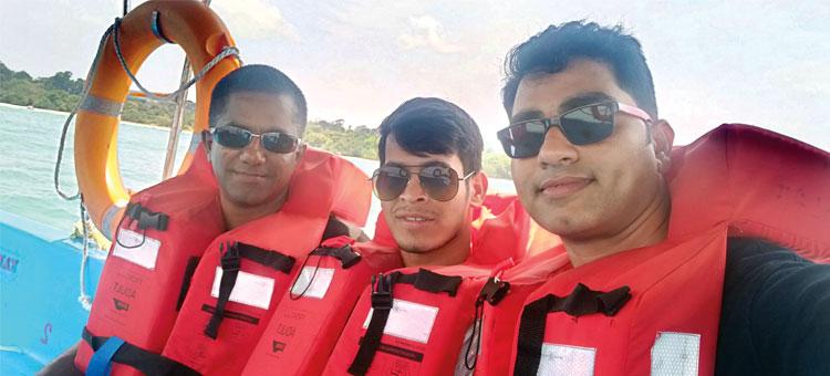 21782e41dbc36 Jose with Mountain Edge s Ravi Singh (tour executive) and Shailesh Thakur  (sales   marketing manager)